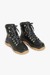 Lace-up hiking boots_3