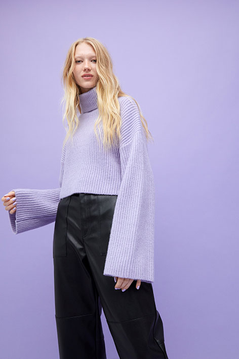 Cropped heavy knit sweater